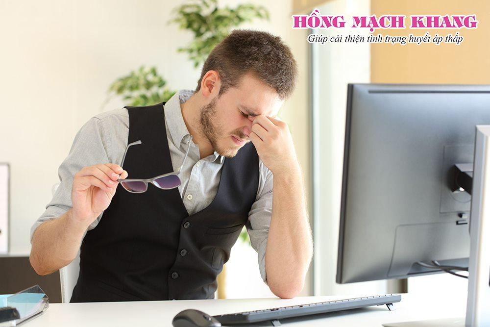 Nam giới thường dễ bỏ qua các triệu chứng huyết áp thấp